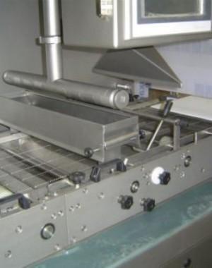 Csokoládébevonó közepes termelő teljesítményhez