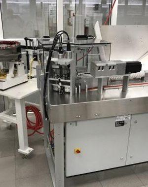 Laboratóriumi kémcső töltő berendezés